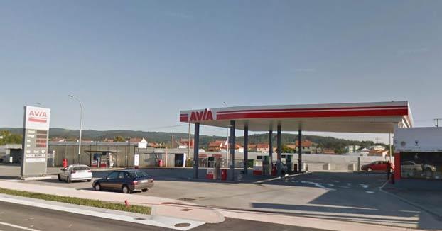 Un empleado de gasolinera de A Laracha (en A Coruña) clava un destornillador a un cliente porque le tosió