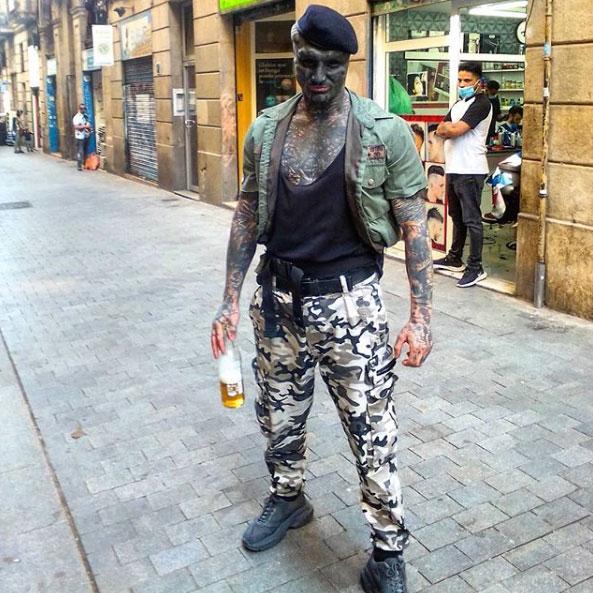 The Black Alien, transformación extrema. Según cuenta, va al 10%