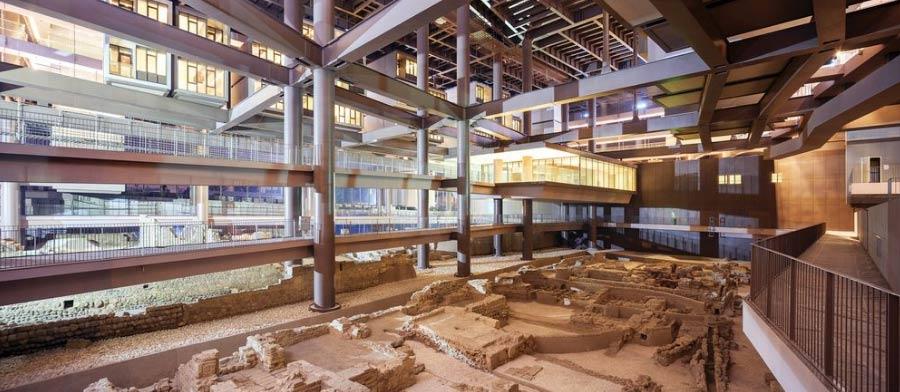 Construyendo un hotel encontraron unas ruinas romanas, y cambiaron el proyecto por completo para integrarlas