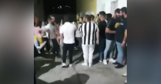 Una pedida de mano de 100 personas sin protección en Granada en estado de alarma acaba con dos detenidos