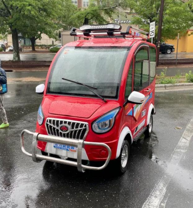 Así es como se conduce el coche eléctrico más barato del mundo