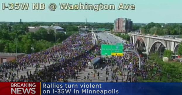 Un camión cisterna se lanzó sobre manifestantes en Minneapolis en las protestas por George Floyd