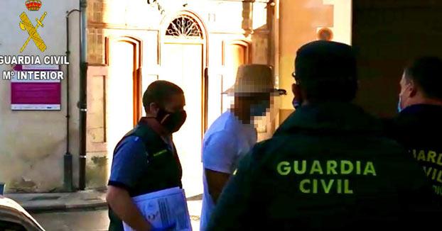 El actor Nacho Vidal, detenido por la muerte de un fotógrafo en un rito con veneno de sapo