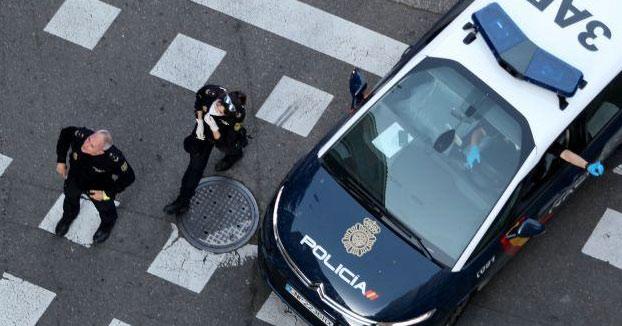 Un policía paga de su bolsillo cuatro potitos sustraídos en un supermercado por un padre de familia y lo deja marchar