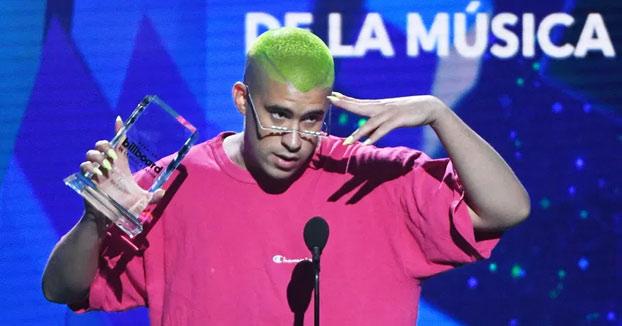 Bad Bunny es reconocido como el mejor compositor del año