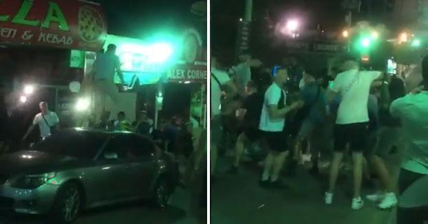Altercado en Magaluf con varios turistas británicos por saltar encima de un coche, no llevar mascarilla y no respetar la distancia social