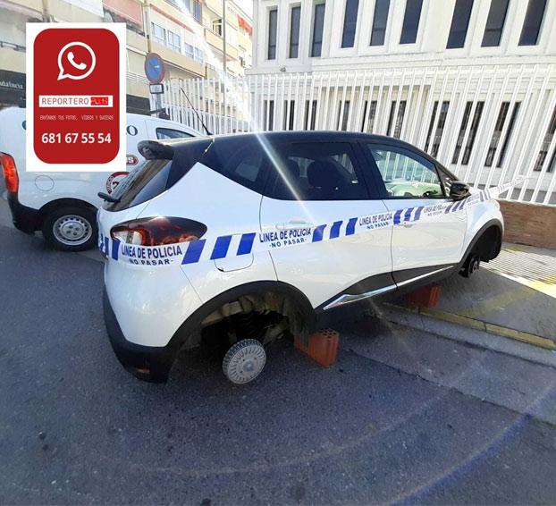 Roba las cuatro llantas de un coche estacionado en la calle para regalárselas a su novia