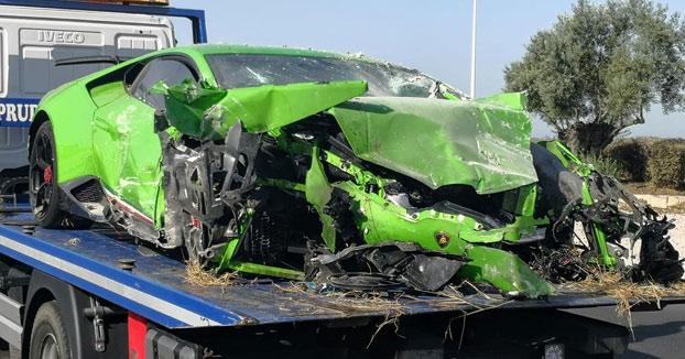 Un Lamborghini Huracán se estrella contra una caseta de Endesa en Huelva. Fotos y vídeos de cómo quedó el coche