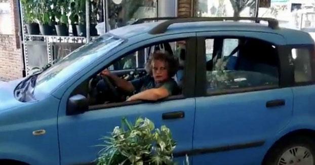 Una mujer empotra su coche contra un vivero en Mijas cuando intentaba salir sin pagar