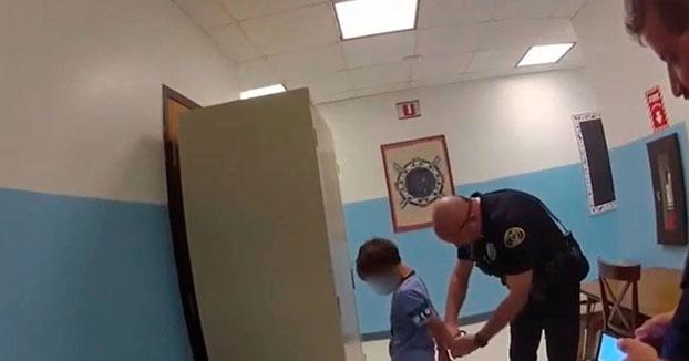 Escándalo en USA: La policía detuvo a un niño discapacitado de 8 años