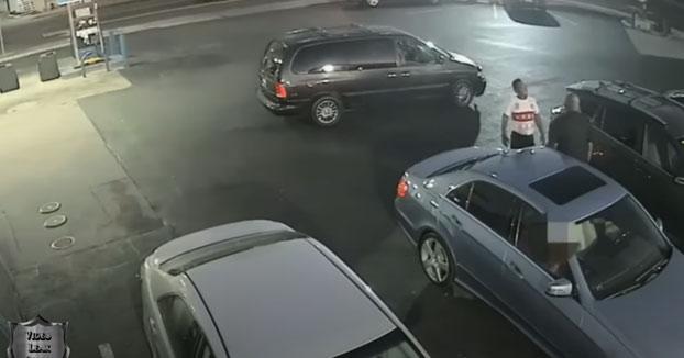 Un policía fuera de servicio dispara a un hombre durante una discusión por una plaza de parking después de que este sacara un arma