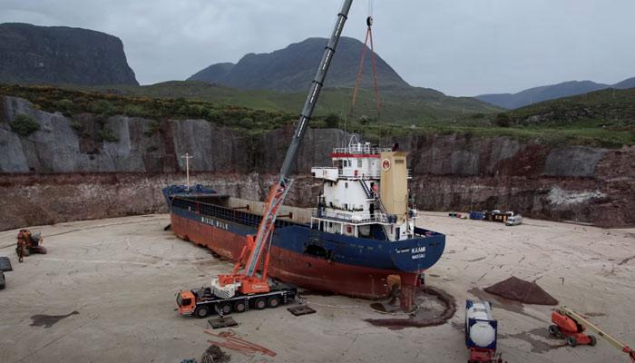 El desguace de un buque de 4.000 toneladas resumido en cuatro minutos