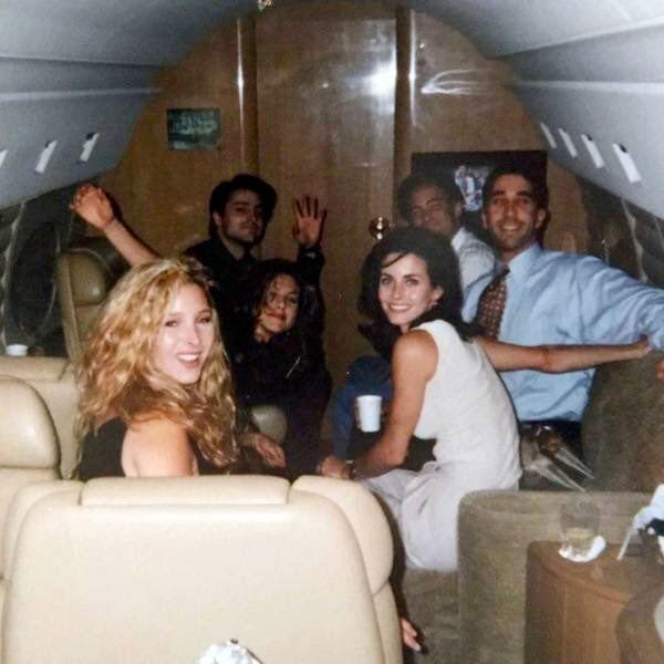 Antes del estreno del primer episodio de Friends, los seis protagonistas fueron llevados a Las Vegas en jet privado