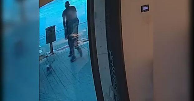 Detenido en Barcelona por robar joyas a personas mayores mientras caminaban solas por la calle
