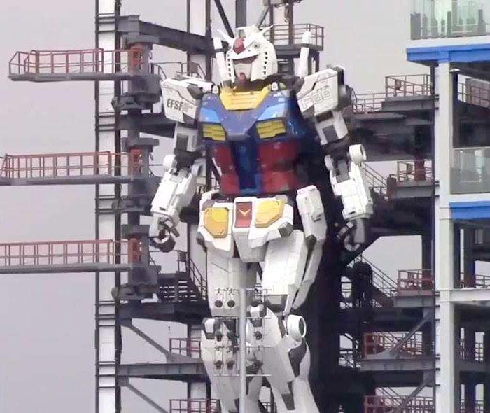 Crean un robot gigante inspirado en la serie animada 'Gundam'