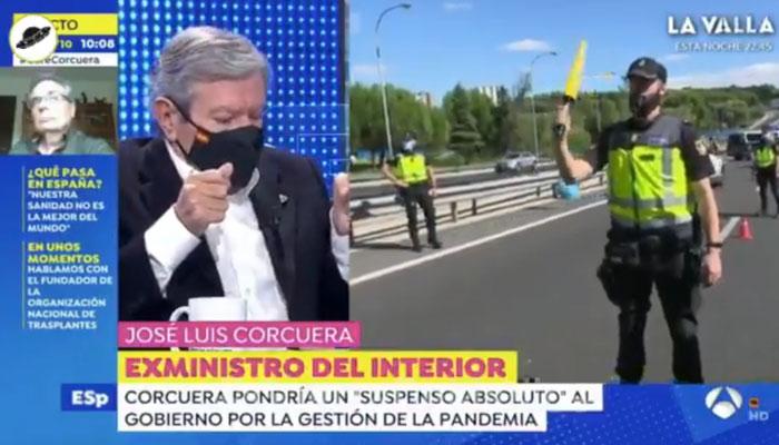 Susto en directo: Al exministro José Luis Corcuera le ha saltado un desfibrilador mientras lo entrevistaba Susanna Griso