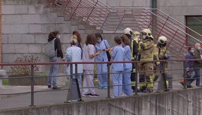 Una enferma de coronavirus provoca un incendio en el hospital de Basurto al fumar en su habitación