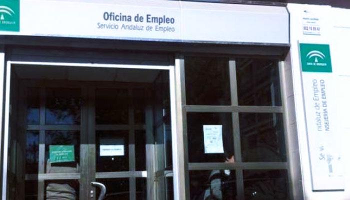 """Una oferta de trabajo de la Junta de Andalucía busca un monitor que enseñe a """"los gitanos que no todo es gratis"""""""