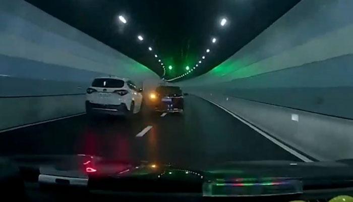 Un conductor se pica con otro en el interior de un túnel y la cosa podría haber acabado muy mal...