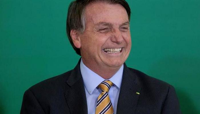 Bolsonaro dice que la vacuna de Pfizer podría tener como efecto secundario convertir a las personas en caimanes [Vídeo]