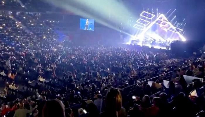 Polémica por el concierto de Raphael en Madrid: Ha sido el más multitudinario de la pandemia