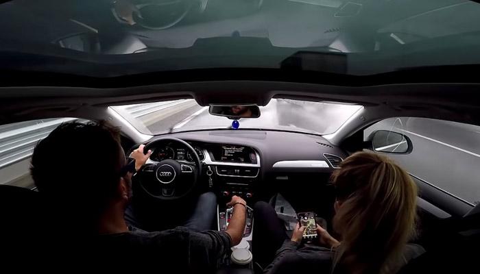 La cámara interior capta el momento en el que el conductor de un Audi A4 Allroad Quattro pierde el control a 140 km/h y luego consigue estabilizar el coche