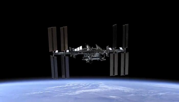 La Estación Espacial Internacional desde una nave Dragon en aproximación