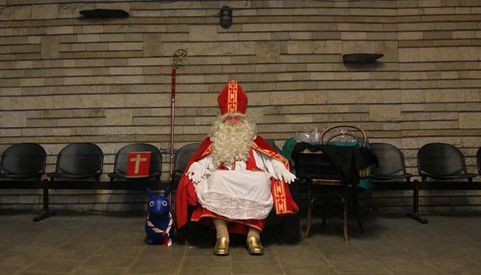 Las muertes en una residencia de ancianos belga ascienden a 18 tras la visita de un Papá Noel contagiado