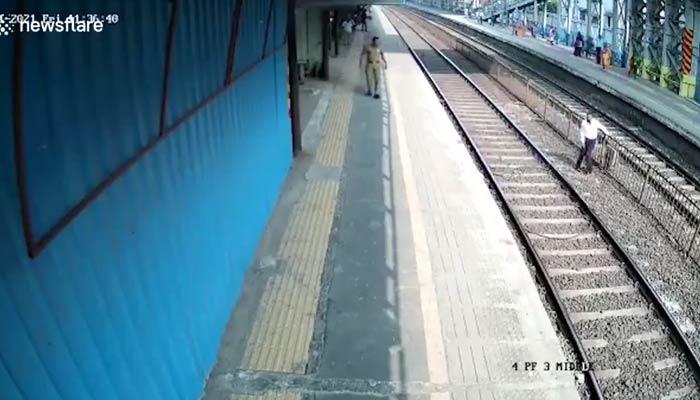 Un hombre de 60 años se puso a cruzar las vías del tren y consigue evitar ser arrollado en el último segundo