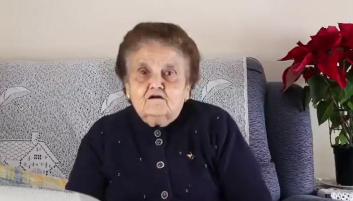 Una abuela se vuelve viral al defender Extremadura de los comentarios negativos de un youtuber