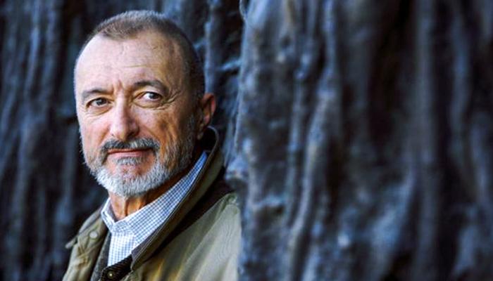 La carta de Arturo Pérez-Reverte respondiendo a un cazador tras el polémico tuit