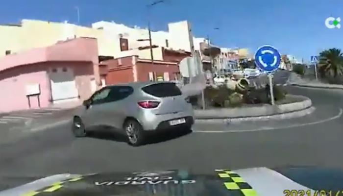 A todo gas en Gran Canaria: Una mujer huye a gran velocidad de la Guardia Civil durante 11 minutos