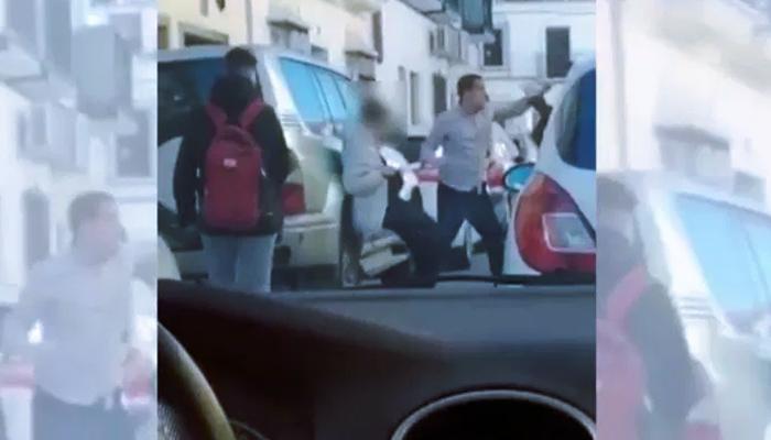 Agresión a un profesor en la puerta de un instituto de Olivares por un grupo de menores