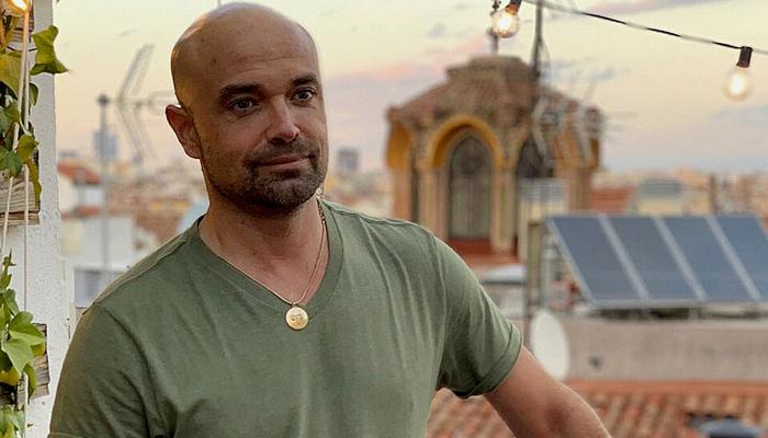 Detenido por tráfico de drogas el guionista de las series ''Élite'' y ''Los Serrano''