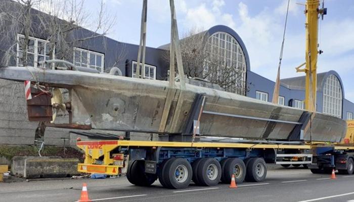 El primer narcosubmarino interceptado en Europa ha llegado a la Escuela Nacional de Policía de Ávila, donde quedará en depósito