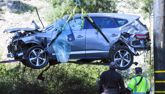 Tiger Woods sufre un grave accidente de coche cerca de Los Ángeles. Vídeo de la zona del accidente y cómo quedó el coche