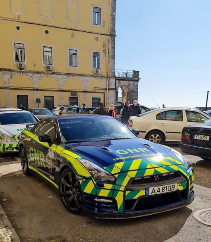 El nuevo coche de la Policía de Portugal para misiones de transporte de órganos