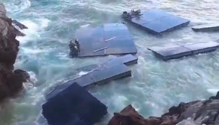 Las prácticas del Ejército de Tierra en Castro acaban con embarcaciones a la deriva y militares evacuados