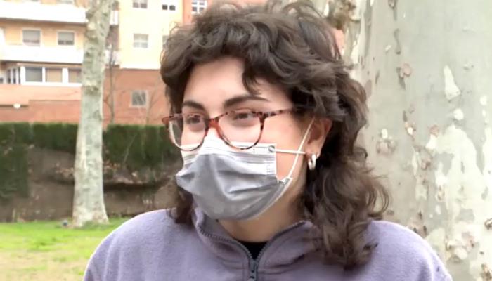 Una pasajera de 19 años sin carnet de conducir evita un accidente al ponerse al volante de un autobús urbano en Lleida pero le roban la cartera