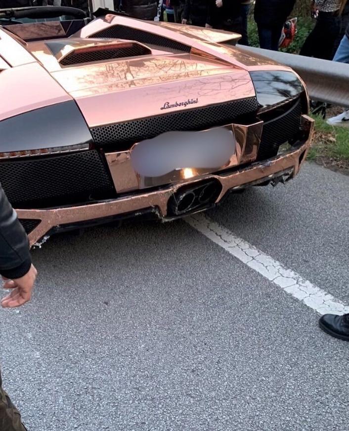 El conductor de un Lamborghini pierde el control en la carretera de l'Arrabassada, en Barcelona