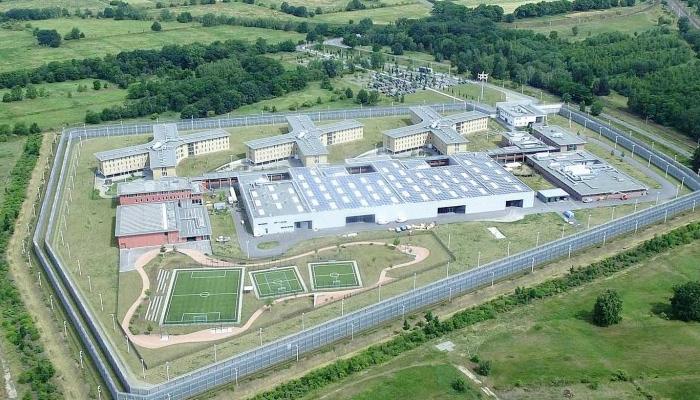 Una prisión cambia 600 cerraduras después de que el becario compartiera por WhatsApp una foto de la llave maestra