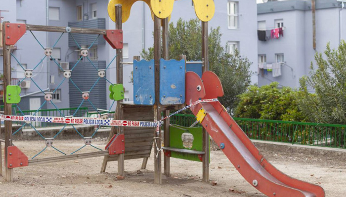 Condenados por lesiones tres adultos que se pelearon por el tobogán en el que jugaban sus hijos