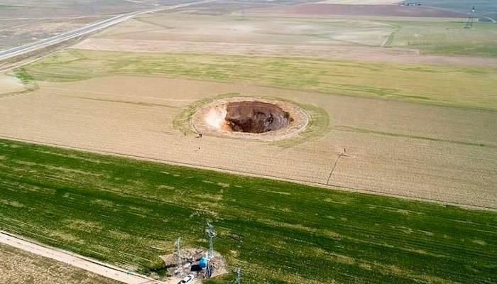 Aparecen enormes sumideros en tierras agrícolas de Turquía