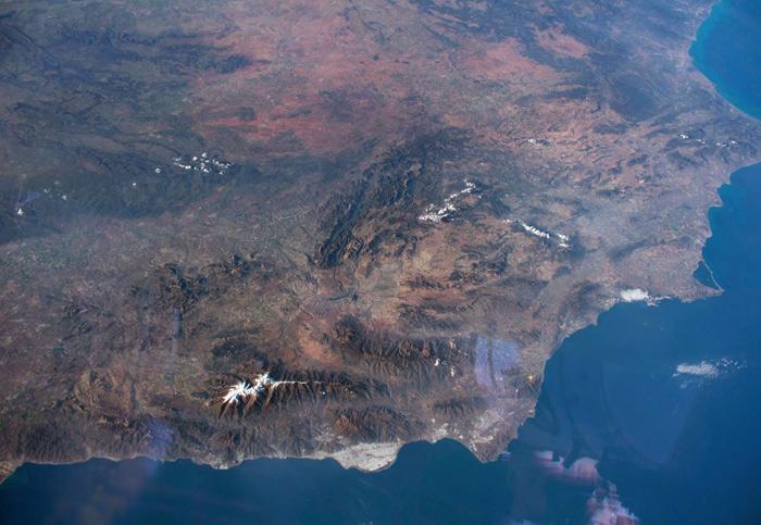 Geniales fotos de la parte oriental de la península tomadas desde Estación Espacial Internacional gracias al ángulo oblícuo