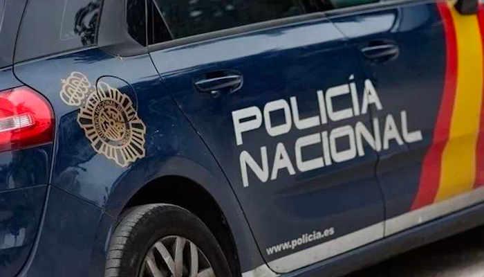 Rompe la nariz a una mujer que le pidió que se pusiera bien la mascarilla en Gijón