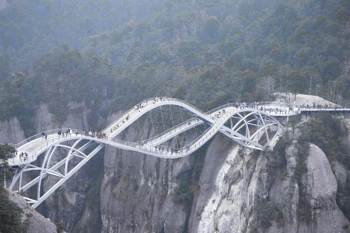 El puente Ruyi, la última locura arquitectónica de China que lleva más de 200.000 visitantes