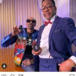 Jaleel White se vuelve a poner en la piel de Steve Urkel para promocionar porros con Snoop Dogg