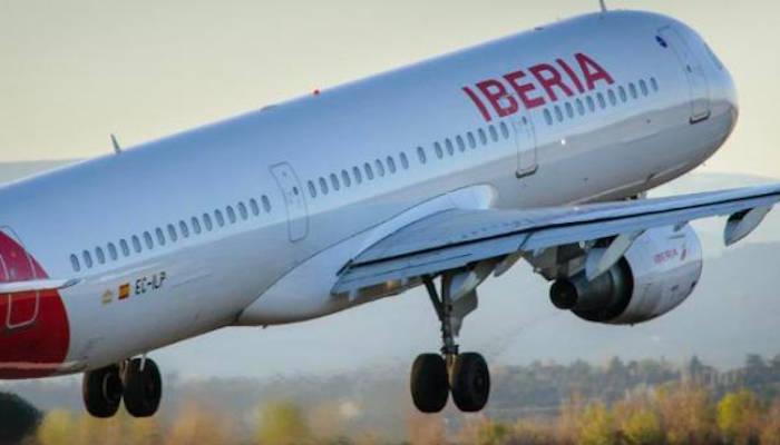 Hacienda lanza el impuesto a billetes de avión en plena recuperación del turismo