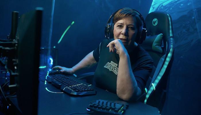 Celia Villalobos se hace gamer y crea Screen Wolves, su nuevo equipo de eSports