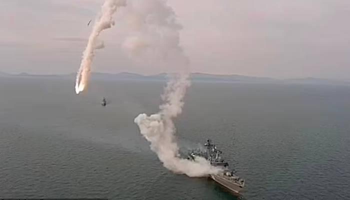 Disparan un misil de crucero Kalibr-NK desde la fragata rusa Marshal Shaposhnikov y se estrella cerca del buque
